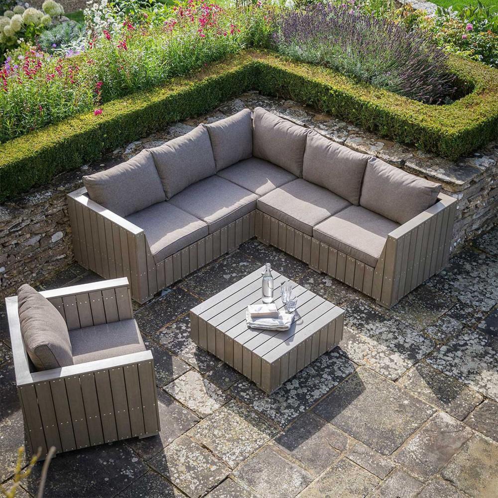 Salon de jardin en bois composite gris taupe
