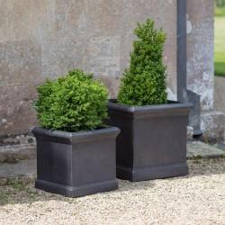 jardinières carrées noires