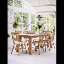 Grande table en bois de cuisine et salle à manger