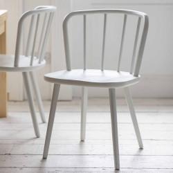 2 chaises en bois de frêne blanc