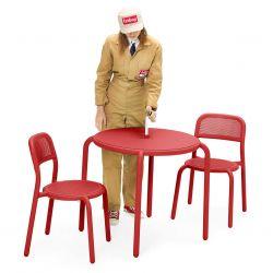 Chaise en aluminium rouge